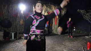 【南方小蓉】雲南姑娘在遠離城市喧囂的山裏點起篝火,邀三五親友狂歡到天明
