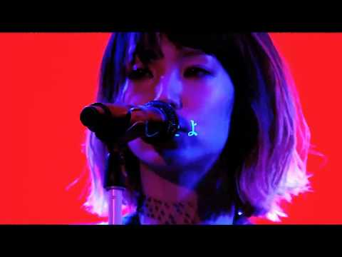 LiSA - Hitori Waratte LiVE Is Smile Always ~NEVER ENDiNG GLORY~ 'the Moon'