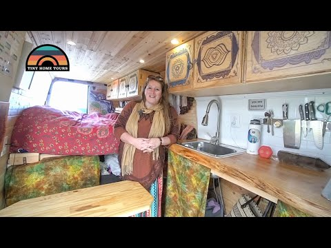 young-woman-built-a-2013-sprinter-camper-van-to-live-on-the-road-&-run-her-businesses
