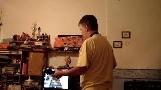 Probando la Guitar Hero 2008 aparece Guido