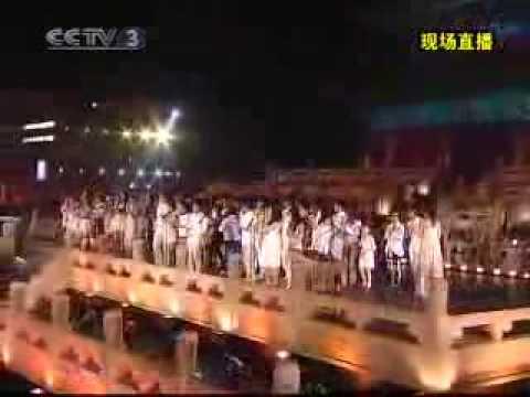 成龍 Jackie Chan Beijing Welcomes You singing LIVE