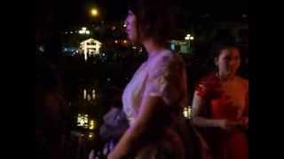 ベトナムのホイアン-ジャパンフェスティバル2013 日本橋ステージの出演...