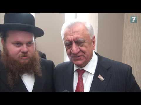 Rabbis Meet Belarus Leaders