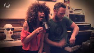 Session live - Flavia Coelho et Tom Fire