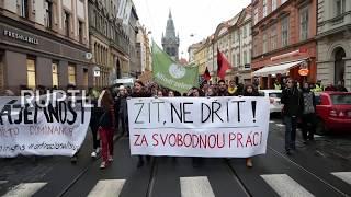 Czech Republic: Hundreds rally on Velvet Revolution anniversary