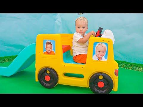 Vlad và Niki chơi với bé Chris   Video hài hước cho trẻ em
