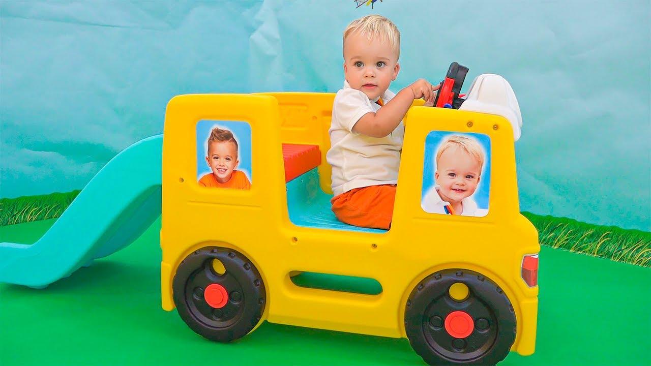 Vlad và Niki chơi với bé Chris | Video hài hước cho trẻ em