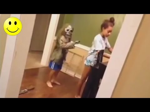 Ultimate Funny Scared Reactions #1 | People Got Scared Funny Videos - WM