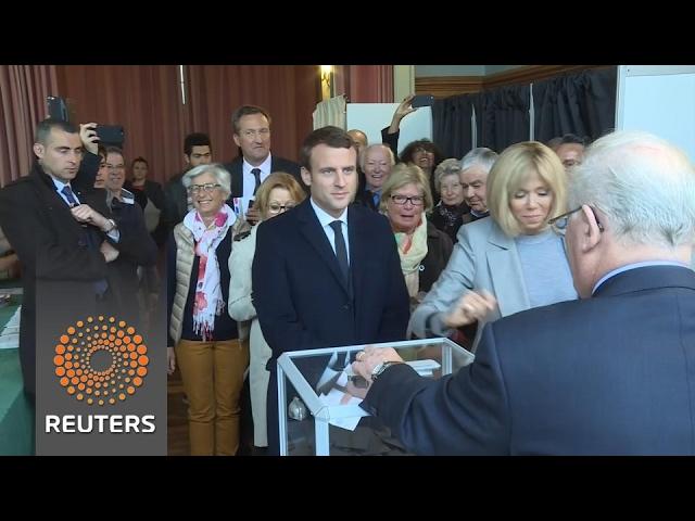 Macron casts his vote in Le Touquet