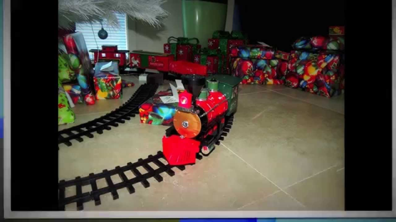 Photo S Of The North Pole Express Train Set Around The Christmas Tree 2014
