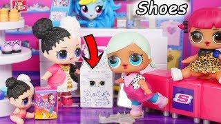 LOL Surprise Dolls Lil Sisters visit Justice Store