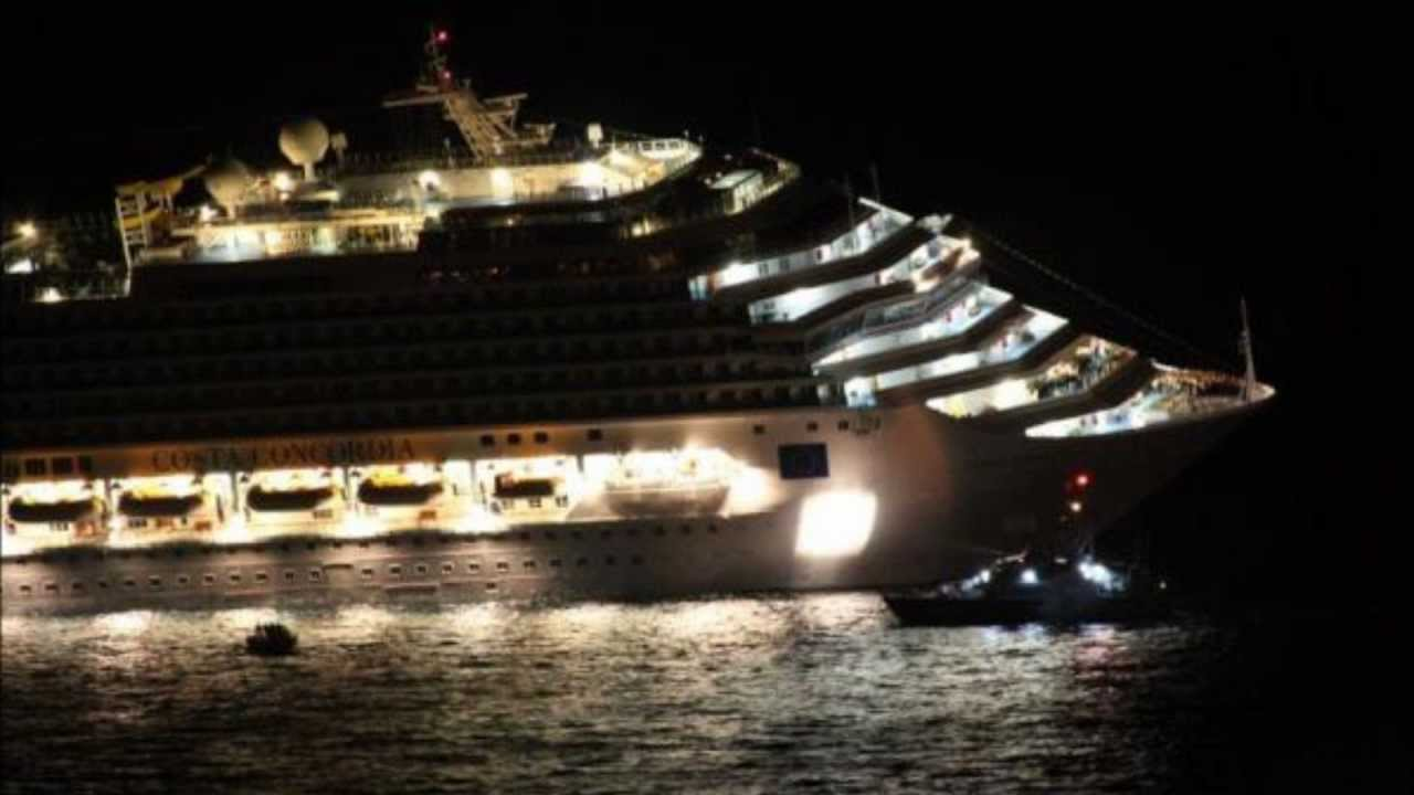 Sinking Costa Concordia Sunk In Italy YouTube - What was the last cruise ship to sink