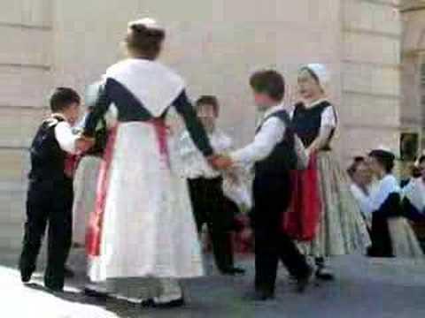 Jean petit qui danse le temps du costume youtube - Petite souris qui danse ...