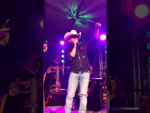 JAKE OWEN & JUSTIN MOORE -HERE IN THE REAL WORLD   10-2-16 COLUMBUS,OH