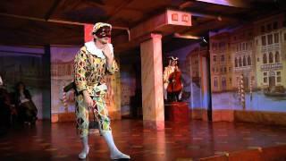 """Extrait de la pièce """"Arlequin, valet de deux maîtres"""" de Goldoni."""