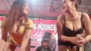Download Video Dangdut Hot buka bukaan panas - susu susu gede digoyang mas MP3 3GP MP4