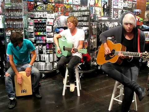 Goodnight Fellows at Hot Topic