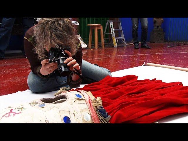 写真家・石内都が画家フリーダ・カーロの遺品にカメラを向ける!映画『フリーダ・カーロの遺品-石内都、織るように』予告編
