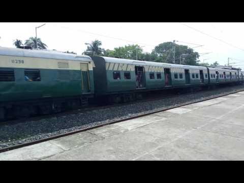 Howrah to katwa local passing bishnupriya priya station