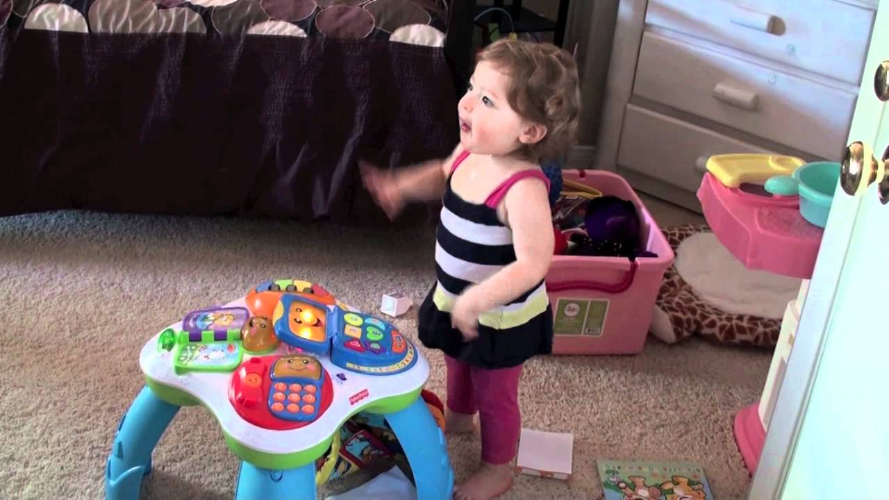 20 Month Old Toddler Dancing