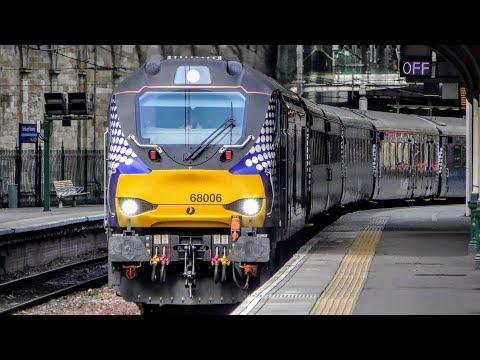 Trains at Edinburgh Waverley | 10/08/2018