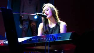 Walk Away: Dia Frampton- Live in Manila [2012.01.05]