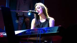 Walk Away: Dia Frampton- Live in Manila [2012.01.05]