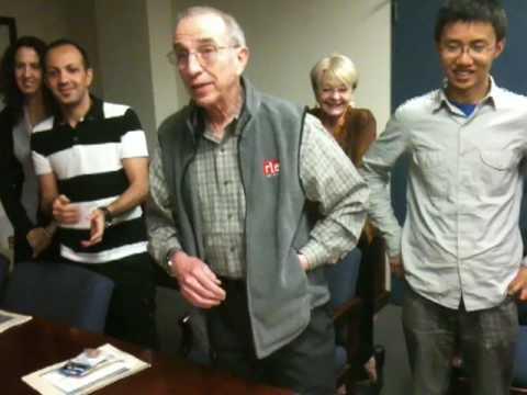 MIT professor performing magic!! Absolutely amazing!!! ^_^ [2/2]