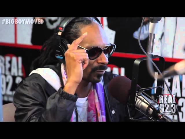 Snoop Dogg Freestyles Over His Own Beats