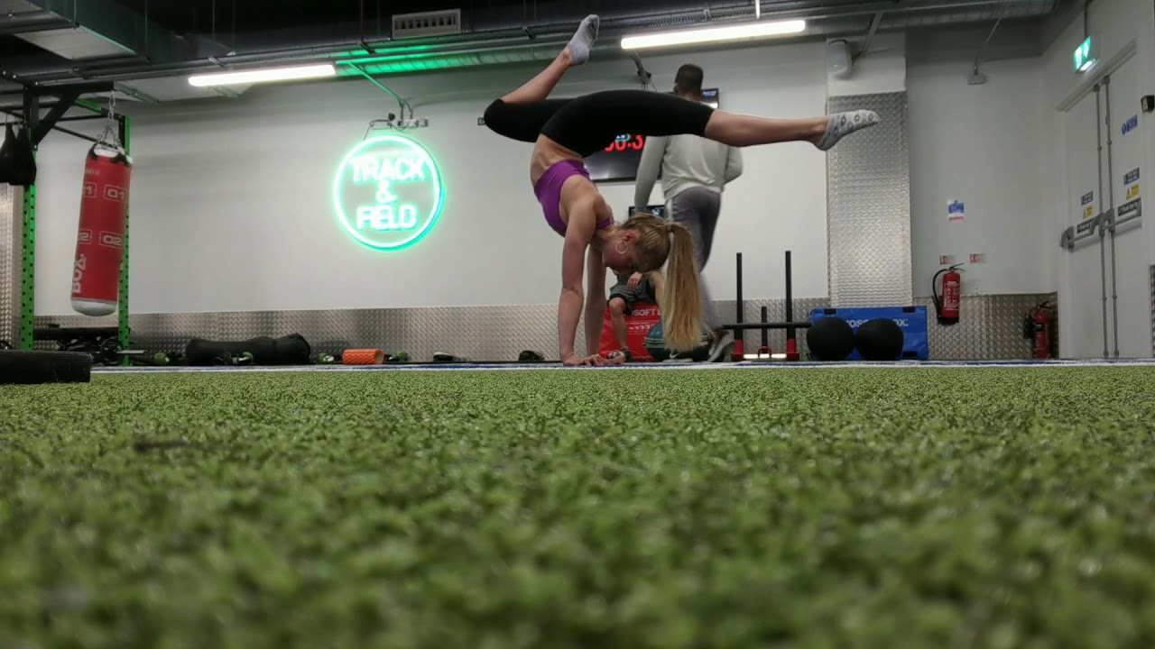 Splits and handstands, contortion life