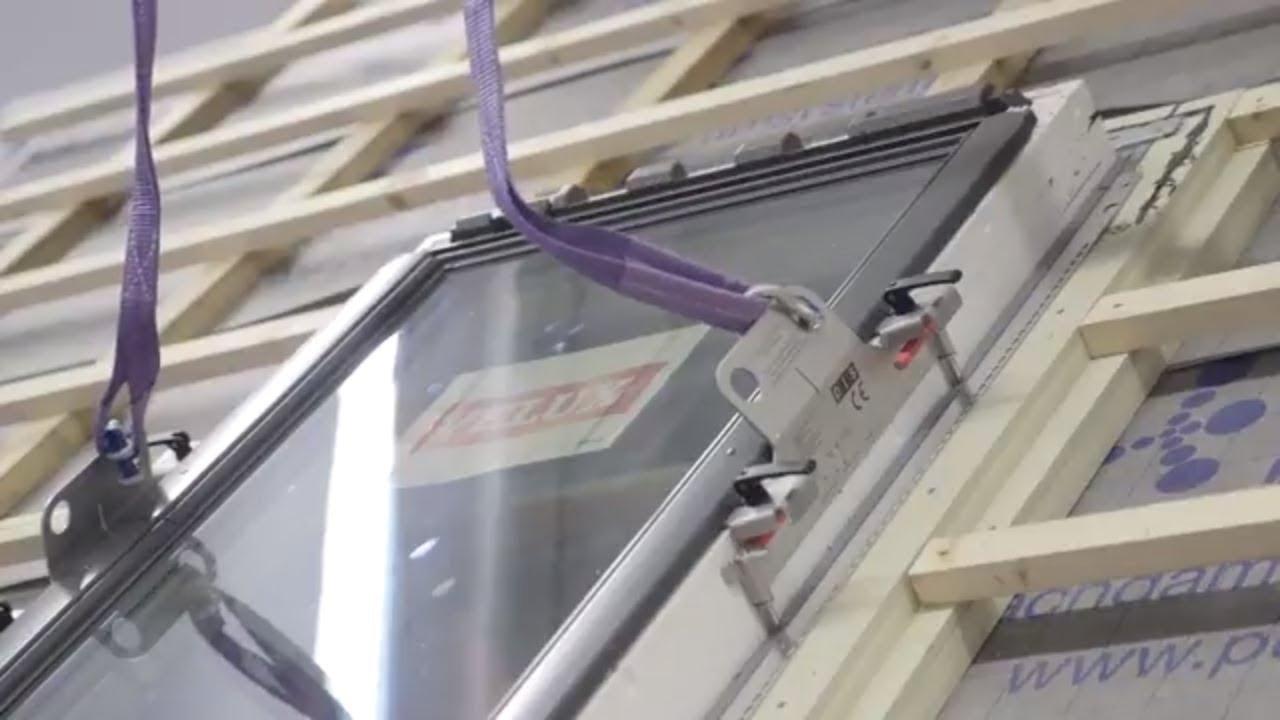dachfenster einbauen einfach machen - mit der hebevorrichtung für