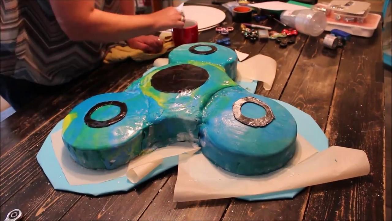 Fidget Spinner Birthday Cake. - YouTube