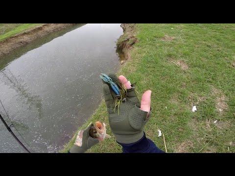 Bass fishing (Booyah Jig) GoPro Hero3+ 1080p HD