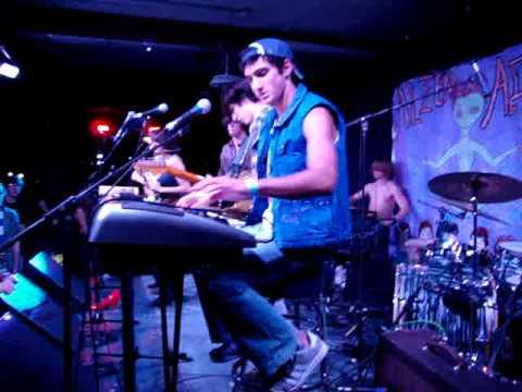 Dance Backbeat : Alien in Alien CCHS Battle of the Bands 2010