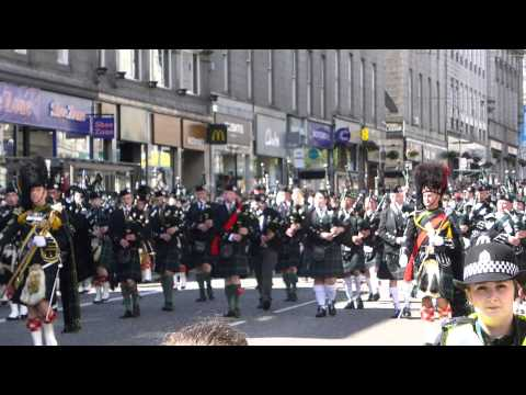Armed Forces Day 2015 Aberdeen - Pipe Band parades down Union Street 1/2