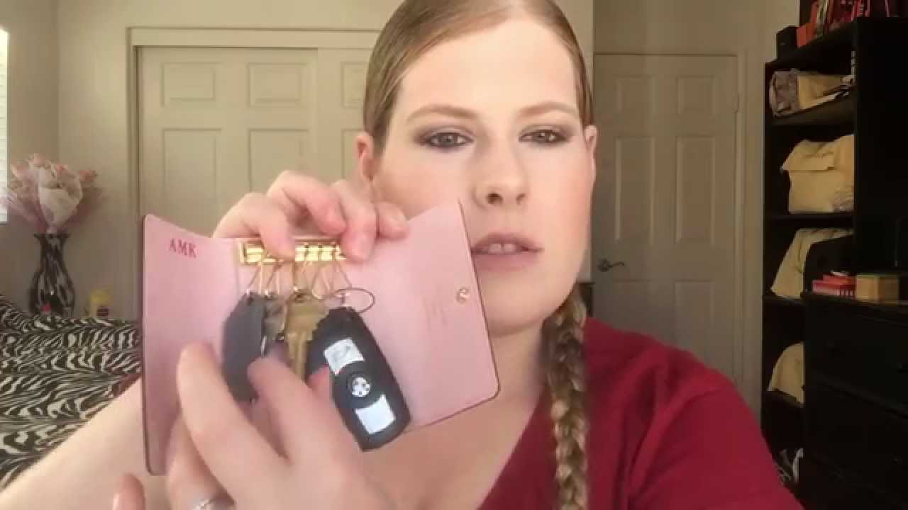 40dd0dedff5 Review  Louis Vuitton 6 key holder in Rose Ballerine - YouTube