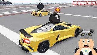 Hızlı Arabalarla Bomba Kimde Oynadık!! - Panda ile Roblox Car Crushers 2