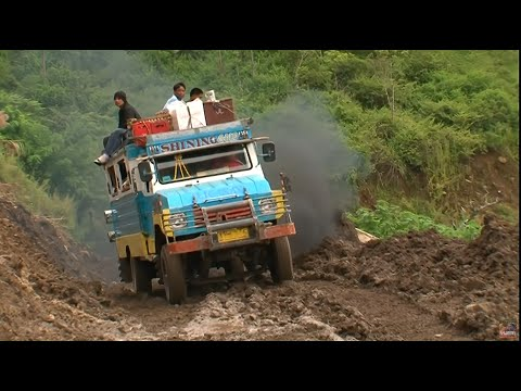 Les routes de l'impossible - Philippines Quand la Montagne Gronde