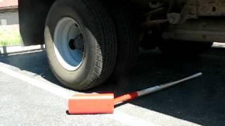 Video Corona® Trenching Shovels - Run Over by 15,000 lb Truck - Northern Ash Wood Handle - Blade Sideways download MP3, 3GP, MP4, WEBM, AVI, FLV Juni 2018