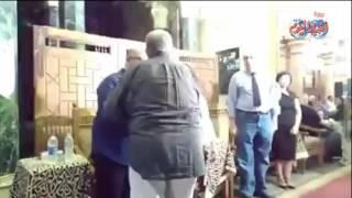 يحيى الفخراني في مقدمة عزاء المخرج محمد خان