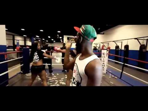 Download Rob Zoe - Money Fight [Official Music Video]