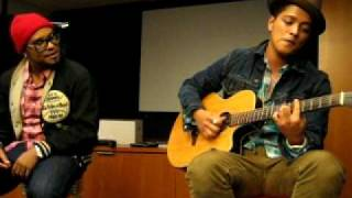 Baixar Bruno Mars - Nothin' On You (Solo Remix) (2010 Private Acoustic Live at OMD L.A.)