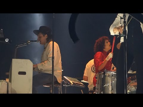 Arcade Fire - The Suburbs and The Suburbs (Continued) – Live in Oakland
