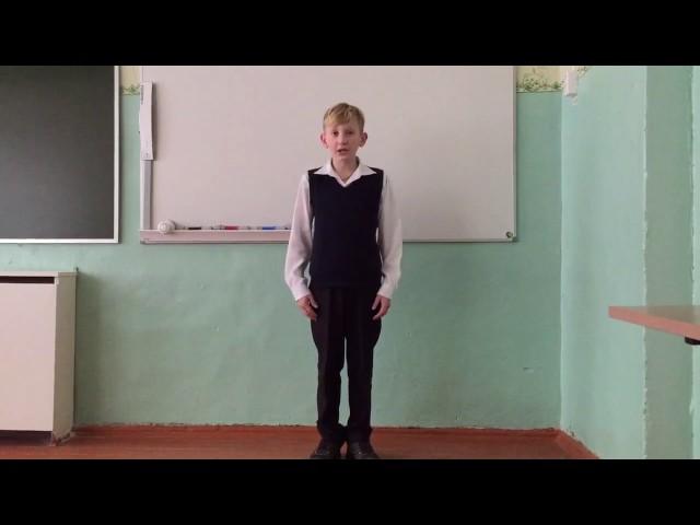 Изображение предпросмотра прочтения – РоманРогозин читает произведение «Свинья под дубом» И.А.Крылова