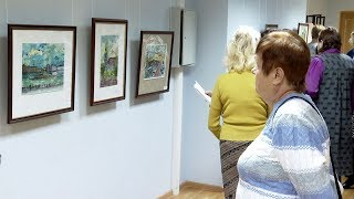 Смотреть видео Выставка картин, посвященных Санкт-Петербургу, открылась в Тамбове онлайн