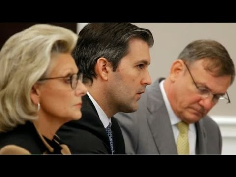 Mistrial in case of South Carolina police officer who killed Walter Scott