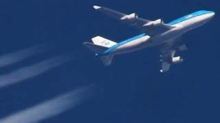 Contrails! Boeing 747-800, Airbus A380. Planes At Cruising Altitude (HD)