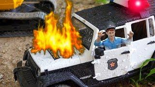 소방차 경찰차 포크레인 중장비 자동차 장난감 트럭놀이 Fire Truck Helps Excavator