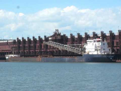 Capt. Henry Jackman moving the self-unloading boom