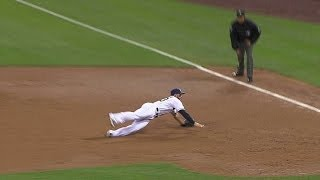 SF@SD: Alonso makes the diving stop to rob Adrianza